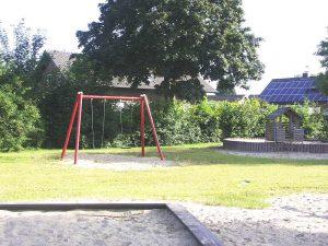 Spielplatz Grieth mit Spielgeräten